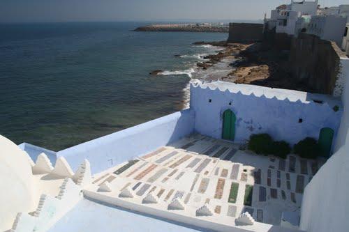 Assilah viajes al alcance de todos for Cementerio jardin del mar