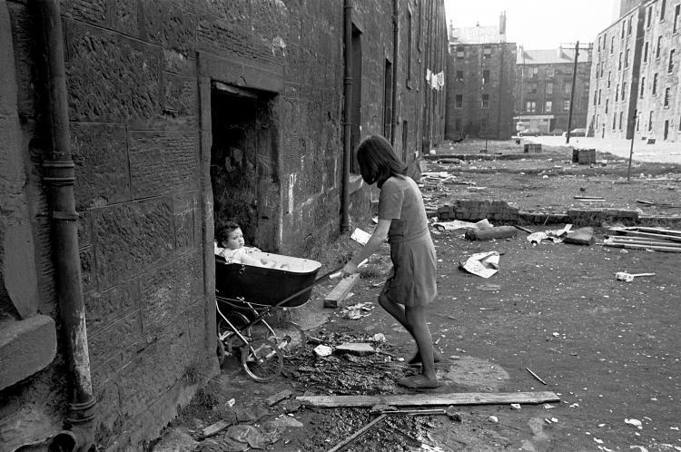 Baby Pram Glasgow Comparing The Slums Of 1970s Glasgow To The Buildings That