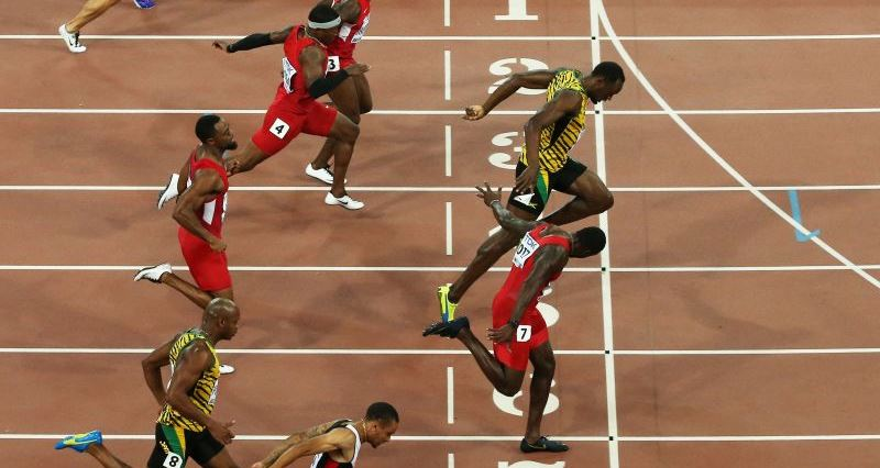 epa04894515 Usain Bolt (C) of Jamaica wins the men's 100m final during the Beijing 2015 IAAF World Championships at the National Stadium, also known as Bird's Nest, in Beijing, China, 23 August 2015. Justin Gatlin (on lane no.7) of the US placed second.  EPA/HOW HWEE YOUNG