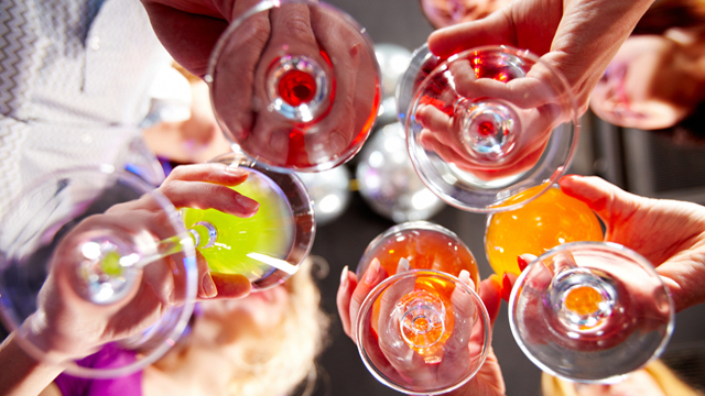 Budgeting Your Party Decorations - Victory Toast