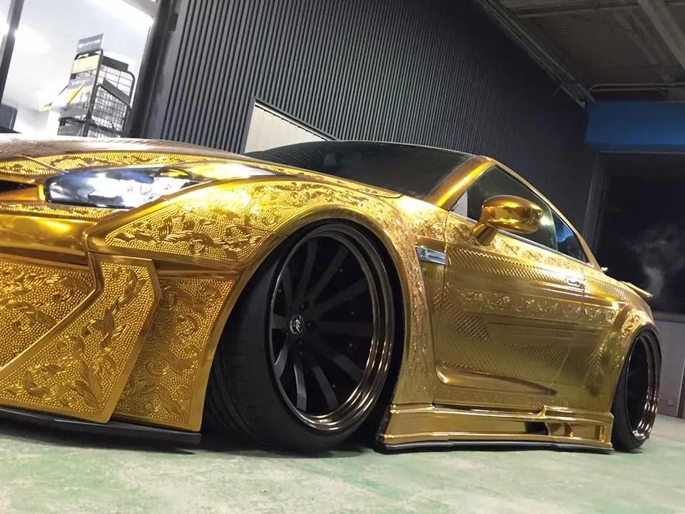 Tanner Fox Car Wallpaper 1 Mln Gold Plated Car On Show In Dubai Al Arabiya English