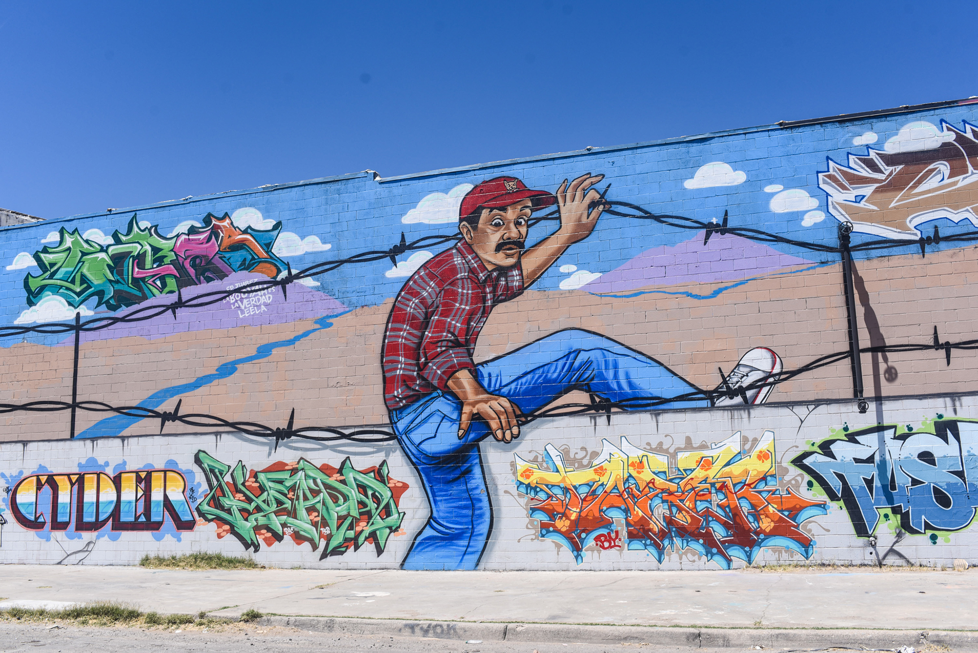 Arte Chicano Murals The Chicano Artists Transcending The Us Mexico Border Vice