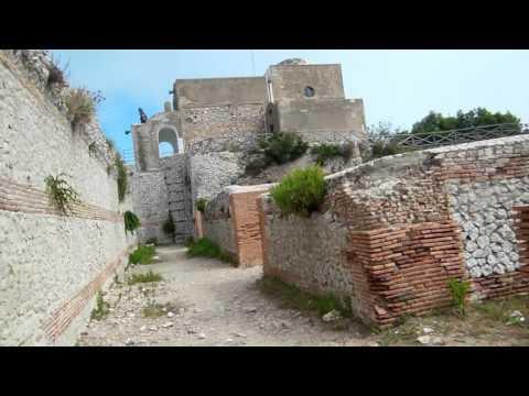 tiberius-palace-villa-on-capri-island-mountain-top-in-italy-historical-tour34_thumbnail.jpg