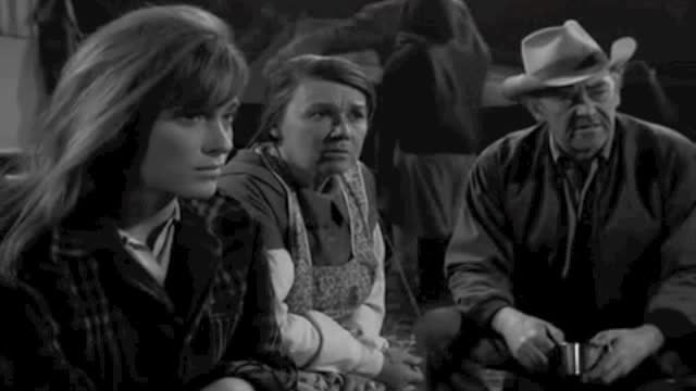 jeanette Nolan as Naomi Kelly in 'Ill Wind' The Fugitive
