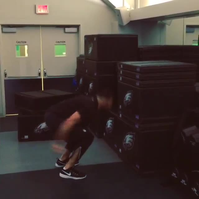 Connor Barwin Box Jump