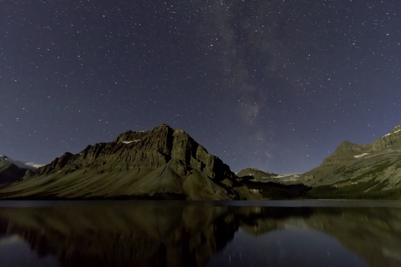 Bow Lake at Night (Aug 20, 2011) (10mm 7D)