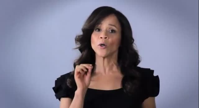 ROSIE PEREZ TALKS ABOUT MITT BEING LATINO