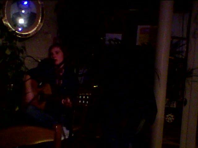 pauline paris plays at les chansonniers open mic in paris