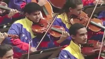gustavo-dudamel-high-school-musicians