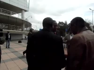 African Press International Video: Uhuru Kenyatta arrives ICC for Day 2 hearings