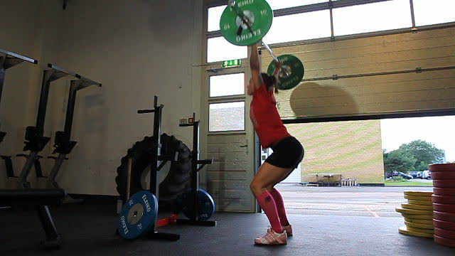 OverheadSquats_PinkShoes_web_640x360