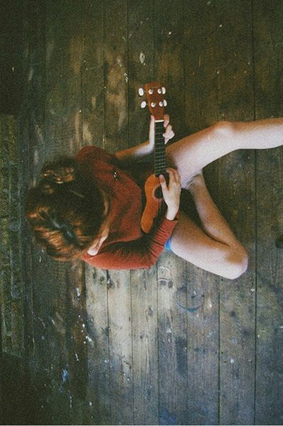 100 freedom-igniting things I want to do in my 30's: Play the ukulele (well).