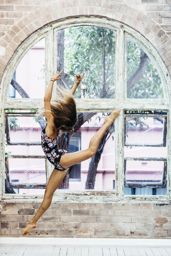 100 freedom-igniting things I want to do in my 30's: Be backup dancer.