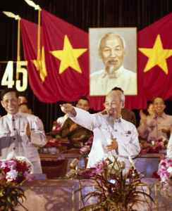 Le Duan, left, general secretary of the Vietnamese Communist Party, with Ho Chi Minh at a rally in Hanoi in 1966. Credit Nihon Denpa News/Associated Press