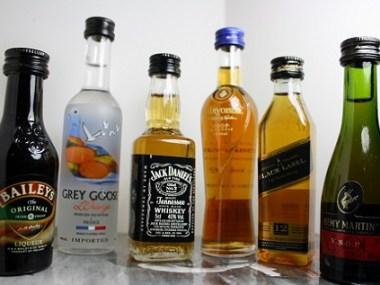 Alcoholic_minibottles_2
