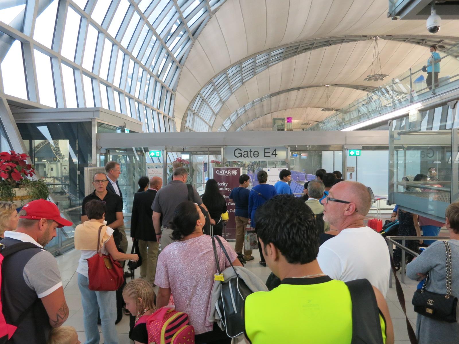 Qatar Airways A380 first class Bangkok-Doha boarding