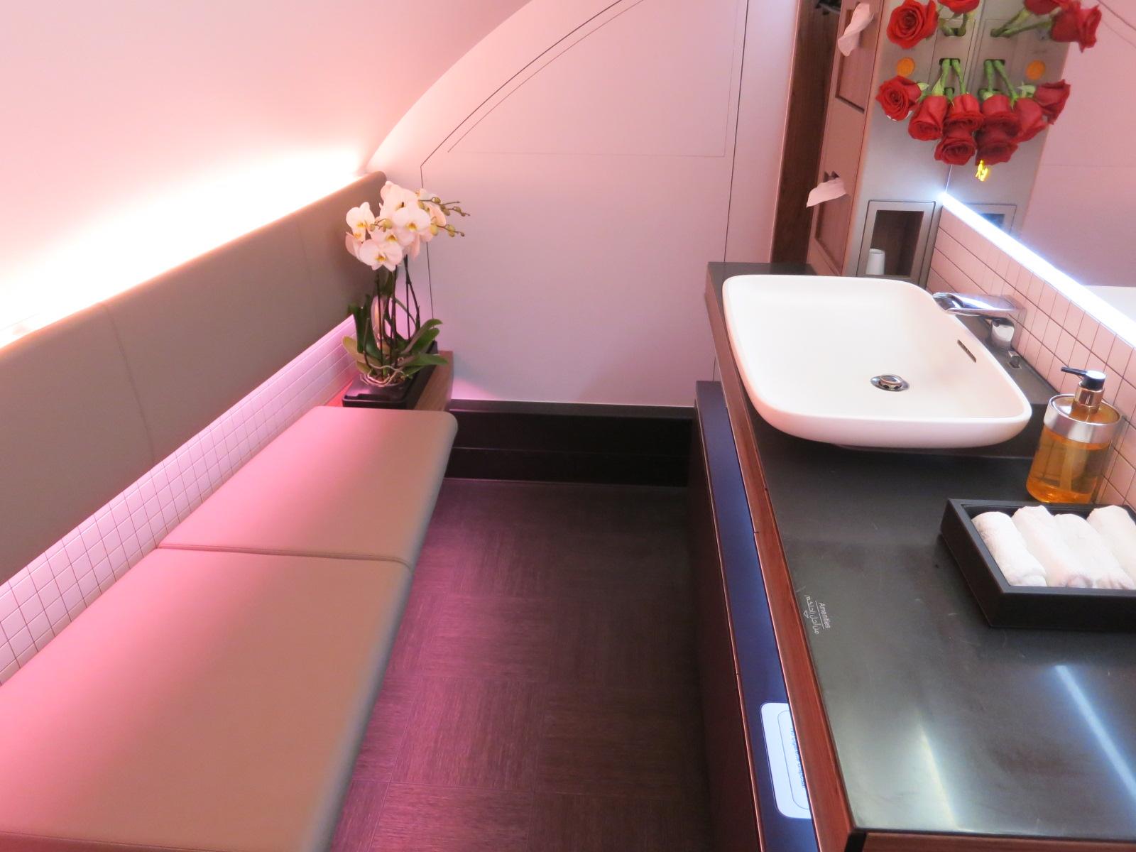 Qatar Airways A380 first class bathroom Bangkok-Doha