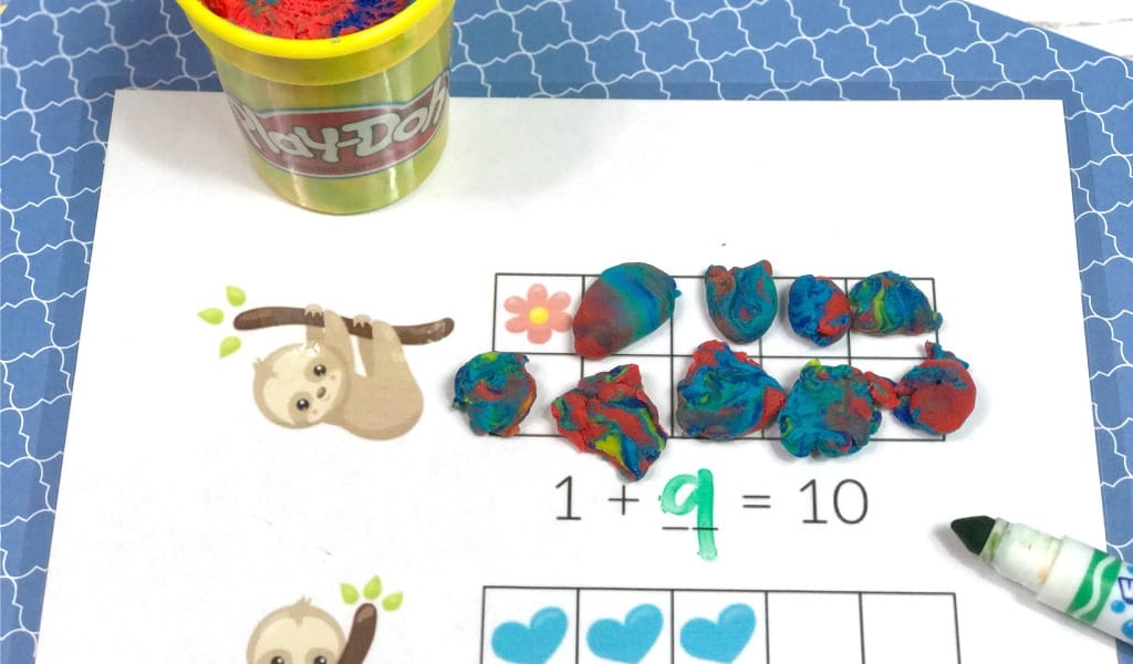 Play dough mats are a really fun way to make early learning a hands-on, sensory experience!