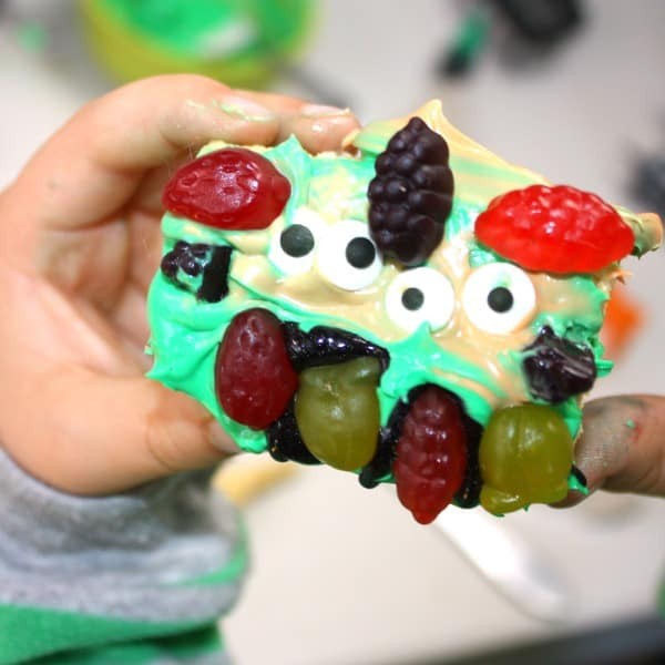 Get creative and decorate your Monster Halloween Treat with Welch's Fruit Snacks, check out how we made our monster goodies come to life with the shapes and colors of Welch's Fruit Snacks!