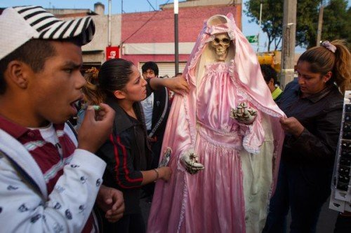 santa-muerte-denounced-by-vatican_67291_600x450