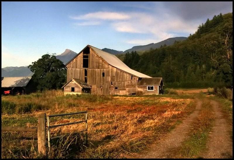 Wallpaper Fall Farmhouse The Abandoned Farm Field Creepypasta Wiki Fandom