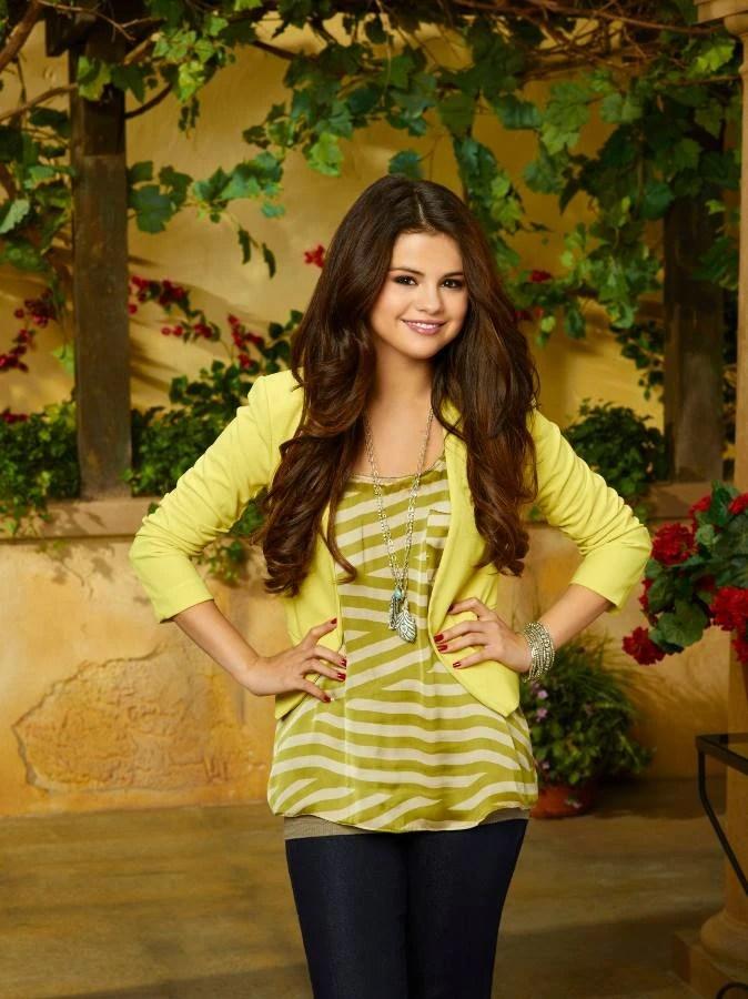 Descendants Of The Sun Hd Wallpaper Alex Russo Selena Gomez Wiki Fandom Powered By Wikia