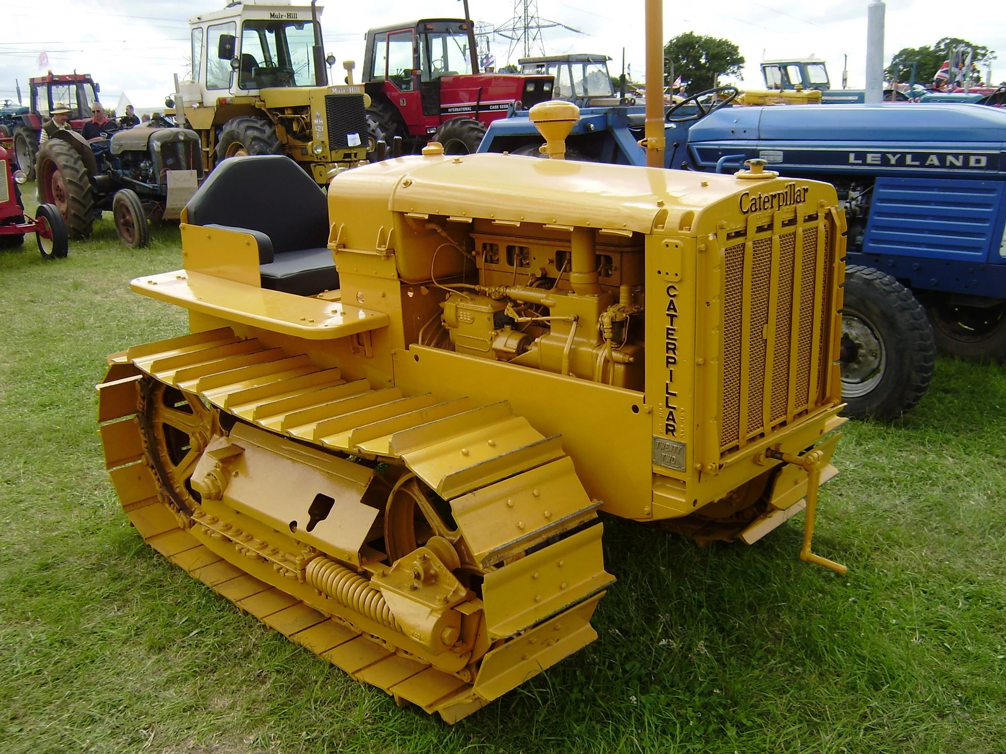 Caterpillar Toy Trucks Australia Caterpillar Twenty Two Tractor And Construction Plant Wiki