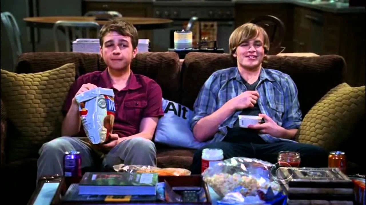 Couchtisch Two And A Half Men Two And A Half Men Best Of Jake Harper All Seasons Videos From
