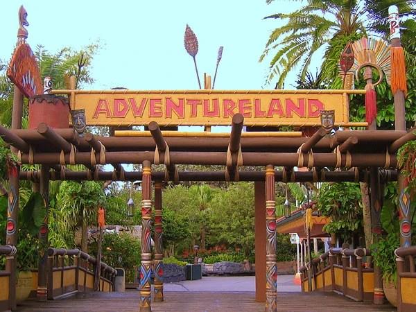 Chip And Dale Wallpaper Hd Adventureland Magic Kingdom Disney Wiki Fandom