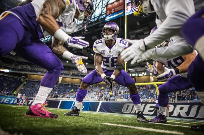 Adrian Peterson 2015 Huddle Week 7 Detroit