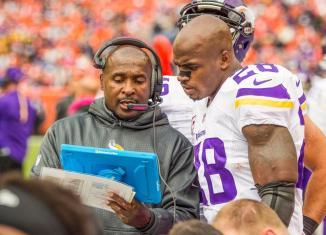 Should the Vikings trade Adrian Peterson