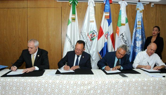 Gobierno RD y la FAO firman Marco de Programación de País 2018-2021