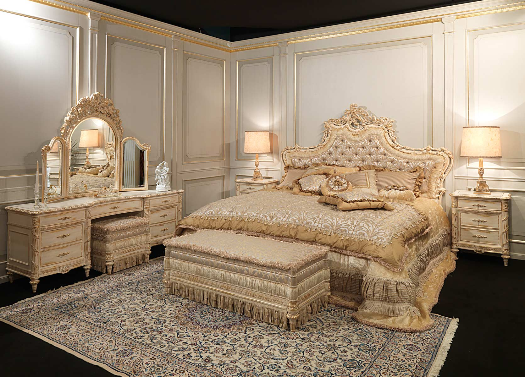 Cucina Classica Nera Classic Louis Xvi Bedroom, Capitonnè Headboard With Rich