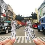 Эта путешествующая пара вместо селфи выкладывает в своем Инстаграме нарисованных себя на фоне разных достопримечательностей.
