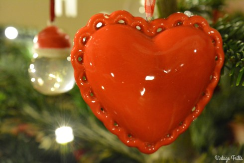 red-heart-bauble