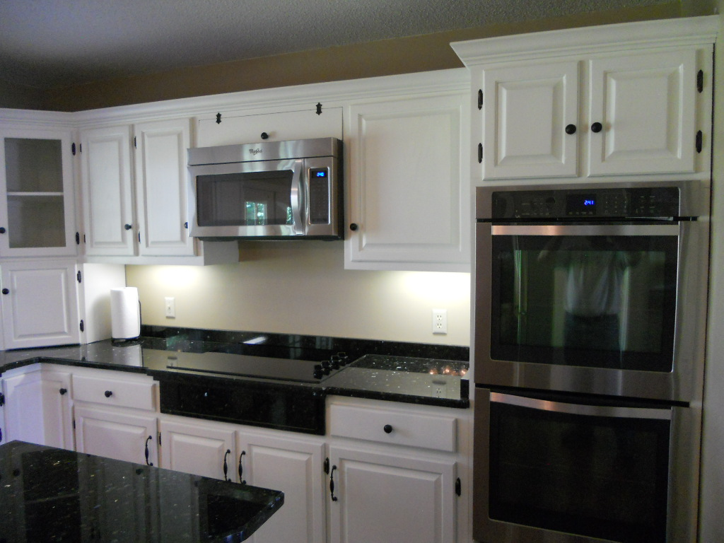 Painting Kitchen Cabinets Estimate Painted Kitchen Cabinets With Contrasting Island After 08