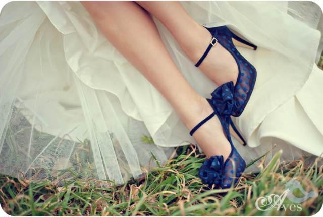 Something Blue - shoes via National Vintage Wedding Fair blog