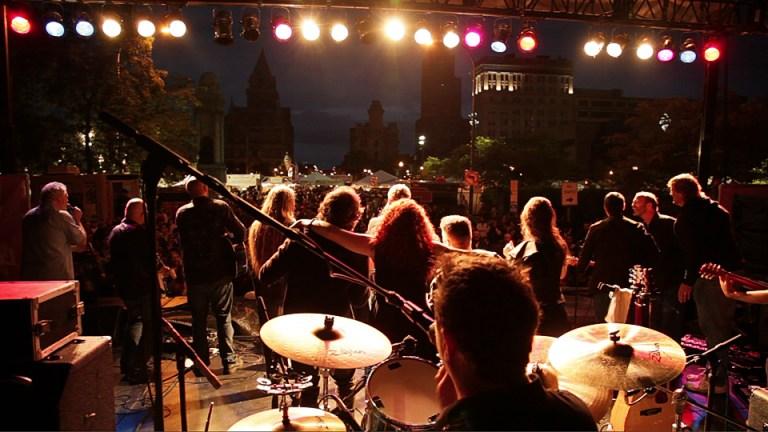 VAL_Taste13_backstage_shot