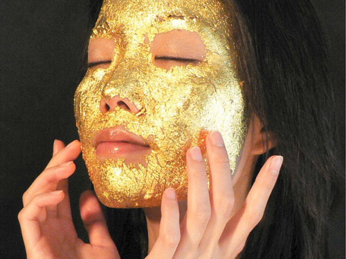 Ten unusual gold products. Gold mask