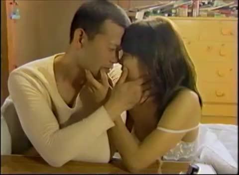 スレンダーの若妻の不倫無料熟女動画。結婚してもセフレとの不倫セックスが止められないスレンダー若妻…夫への背徳感を感じながらも快楽に身を悶えさせる…