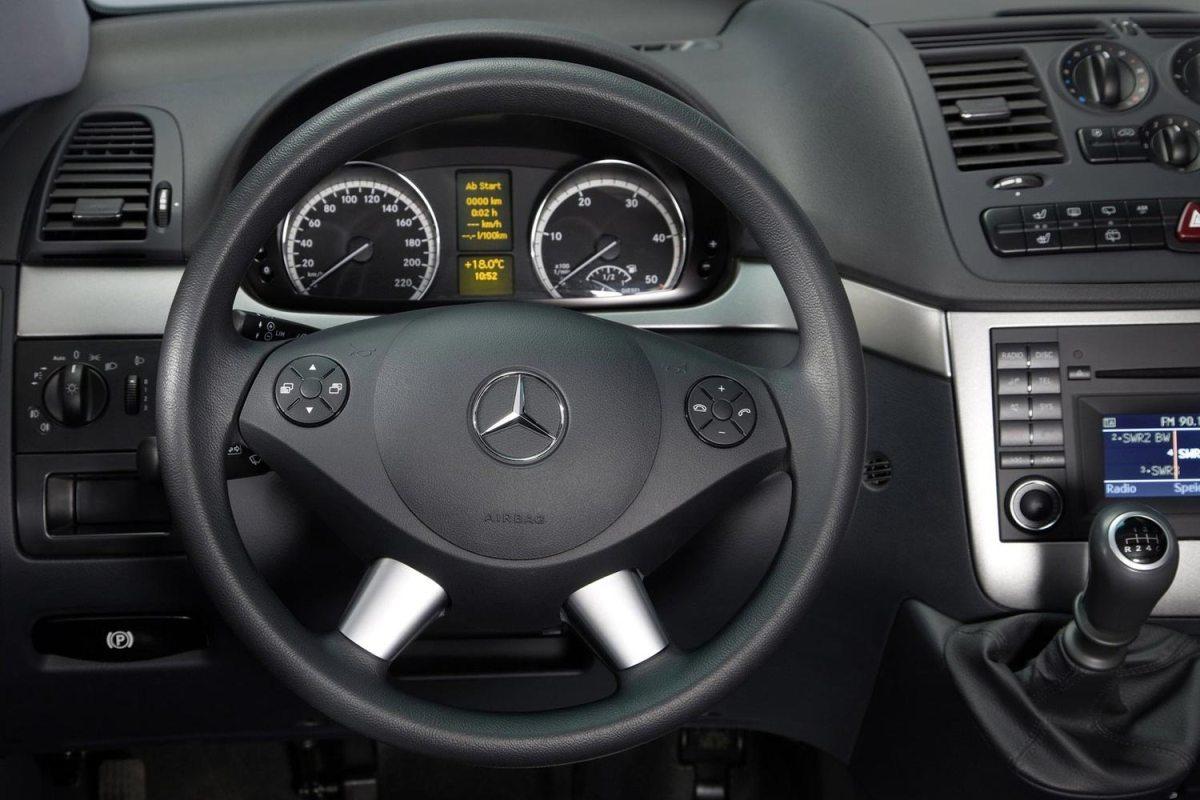 Mercedes Benz Viano 1