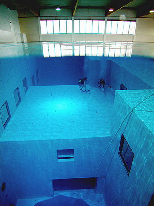 The deepest man made swimming pool in the world you ll sh t your pants when you see this for Name something you might find in a swimming pool