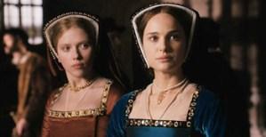 Enrique VIII también sirvió para que Natalie Portman y Scarlett Johanson salieran juntas en una película. Donde, desgraciadamente, NO se liaban entre ellas.