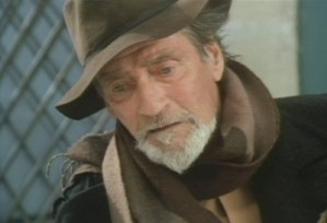 Andre Toulon interpretado por Guy Rolfe, mucho más carismático que Gandalf. Cosa no muy difícil, para qué nos vamos a engañar...