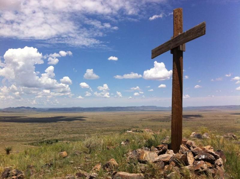 Jesus Wallpaper Hd The Wooden Cross Overlooking Alpine 2 Alpine Texas