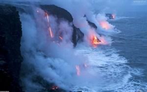 Hawaii-VolcanoIntoOcean