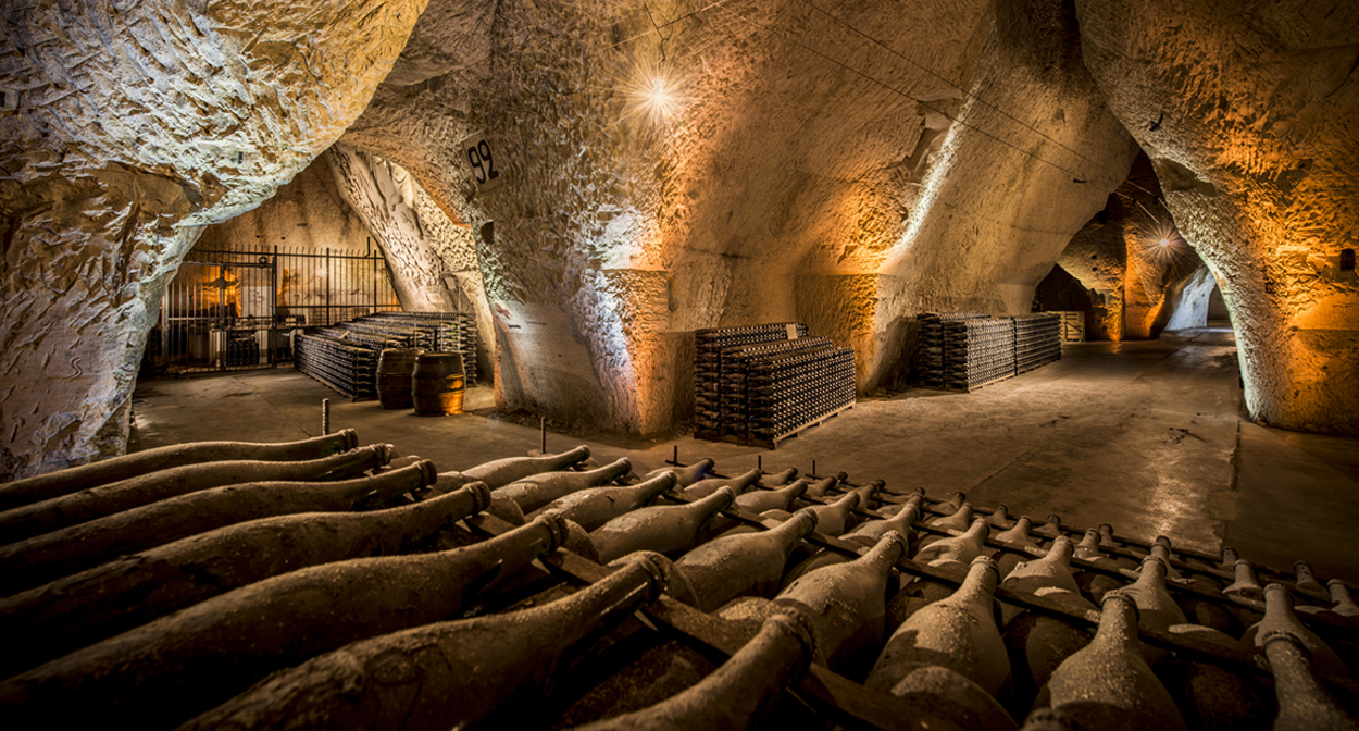 Grande Cave A Vin Visit The Champagne Cellars Of Veuve Clicquot