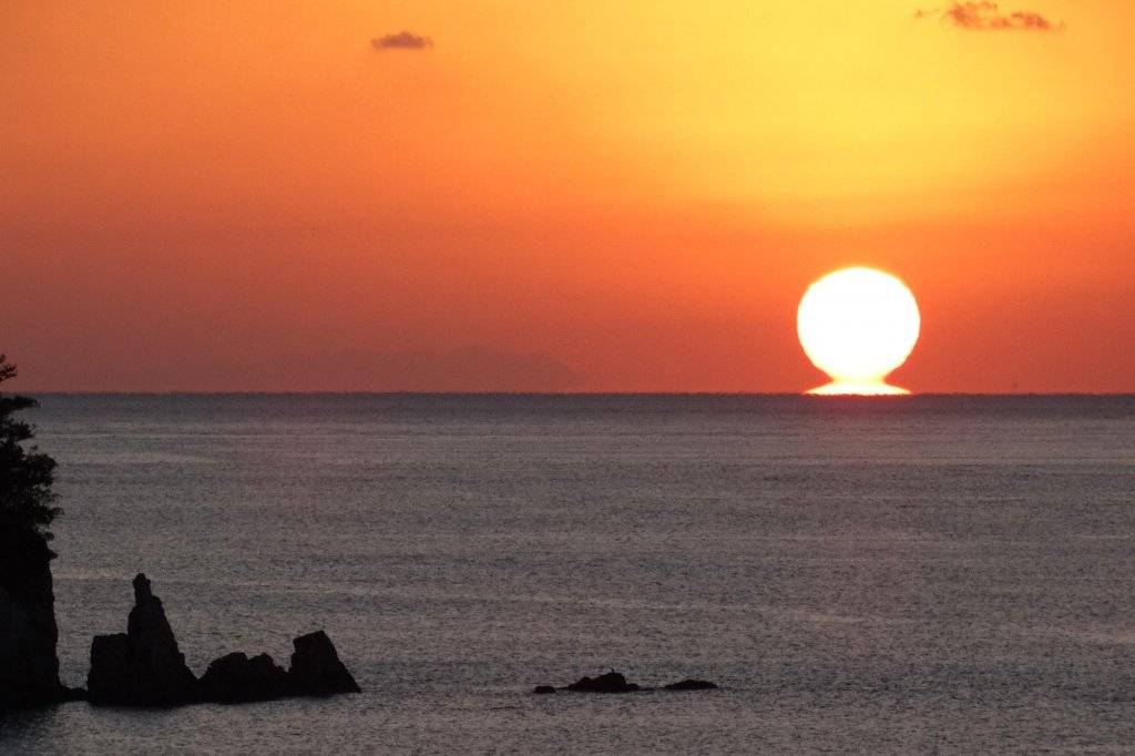 Daruma Sunset The Lucky Sunset Mirage Of Setting Sun