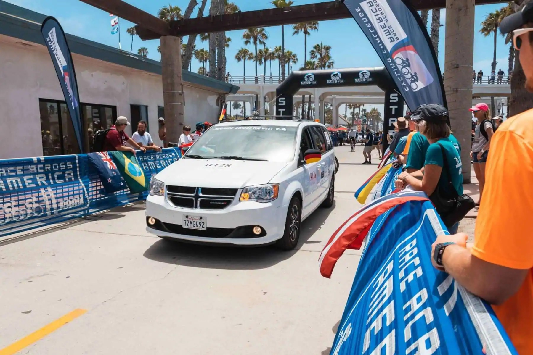 De Raam Of Het Raam Have You Seen The Raam Vans Visit Oceanside