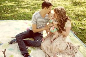 Laelia-gets-a-kiss